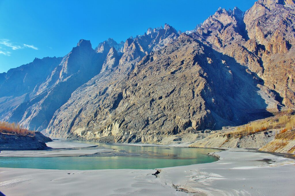 Hunza is the fascinating area of Gilgit, this area is also as the mountainous valley of Pakistan at the altitude of 10800ft. This sector is regarded as the most visiting area of Pakistan.