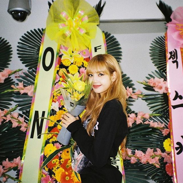Lisa (BlackPink) is the youngest member of the crew and the lead vocalist, dancer, and rapper. She proved her matchless brain quickly after becoming a member of the crew and grew to be the main member. The legitimate studio album titled 'Square One' was once launched after Lisa joined the band
