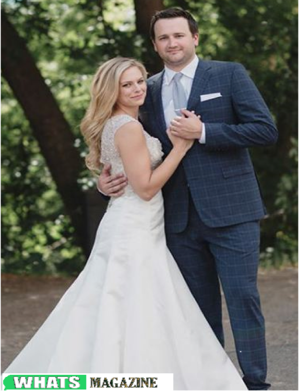 Talking about her personal life, Jamie Erdahl is married to her long time sweetheart, Sam Buckman on 23 July 2017.  Sam Buckman, a previous football player at the University of Michigan. Her beau turned-spouse, Sam matured 31, went to Minnetonka High School during his initial profession, and holds an M.A. degree from the University of Minnesota and a B.A. from the University of Michigan